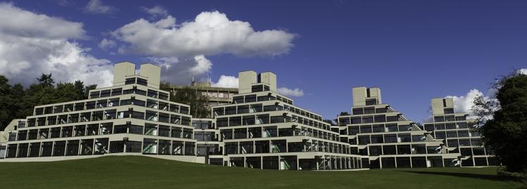 E14_accommodation_ziggurats_1_